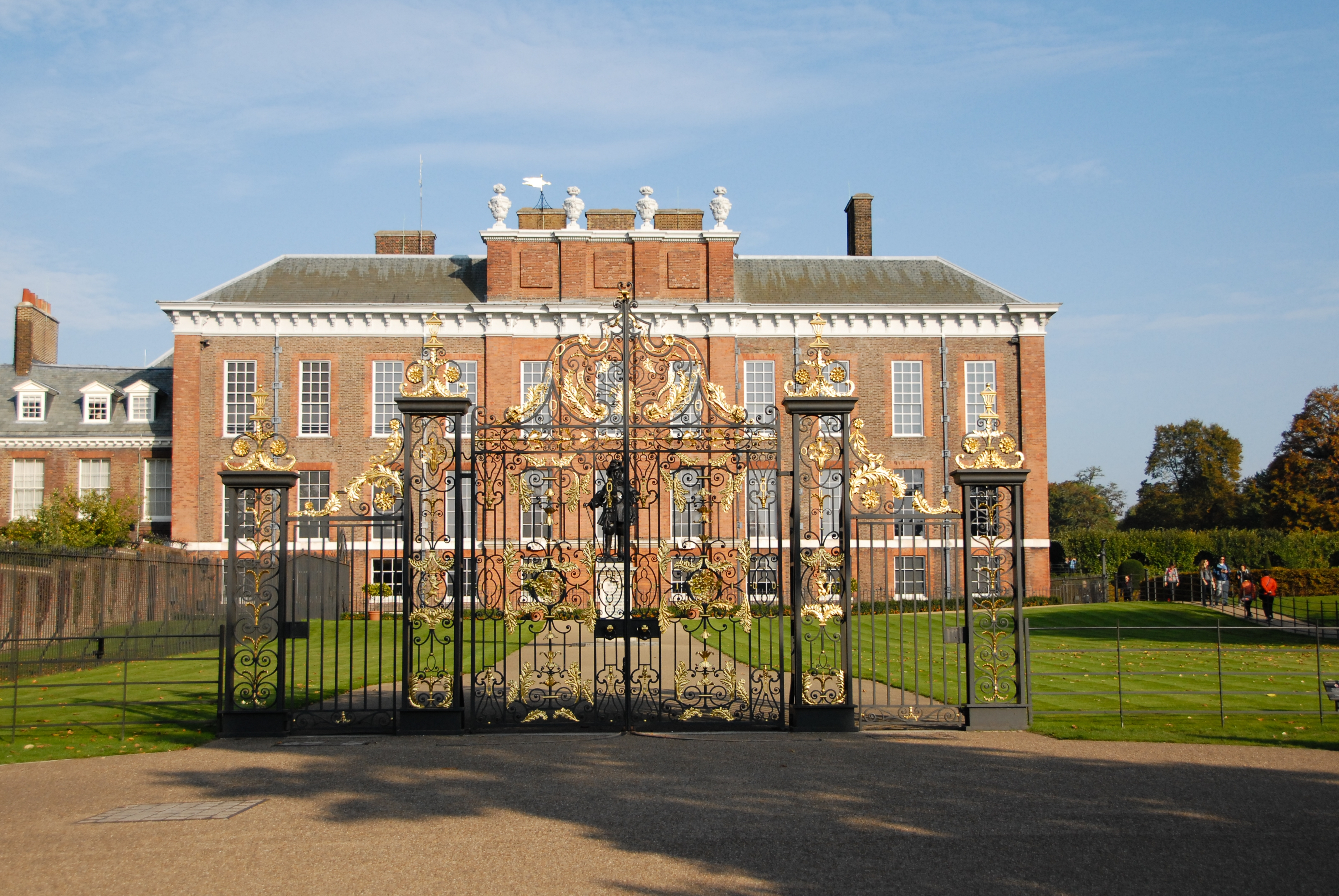 Kensington Palace My View From The Middle Seat