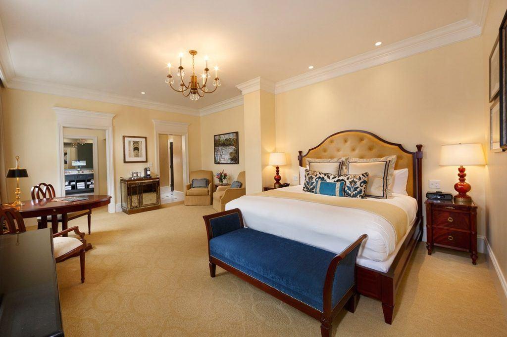 Jefferson Hotel room